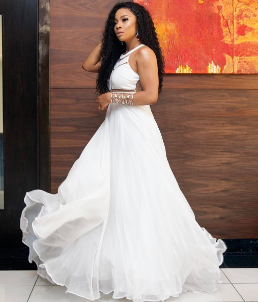 Toke Makinwa looks ethereal in white - EOnlineGH.Com