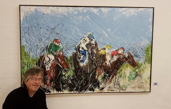 John Bonnesen Wolff ved et af sine store malerier