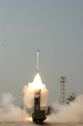 Resultado de imagen de Interceptor Indio destruye misil balístico de prueba