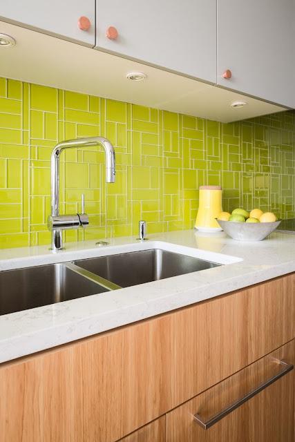 Kitchen Remodeling using Glass Backsplashes | Raellarina ...