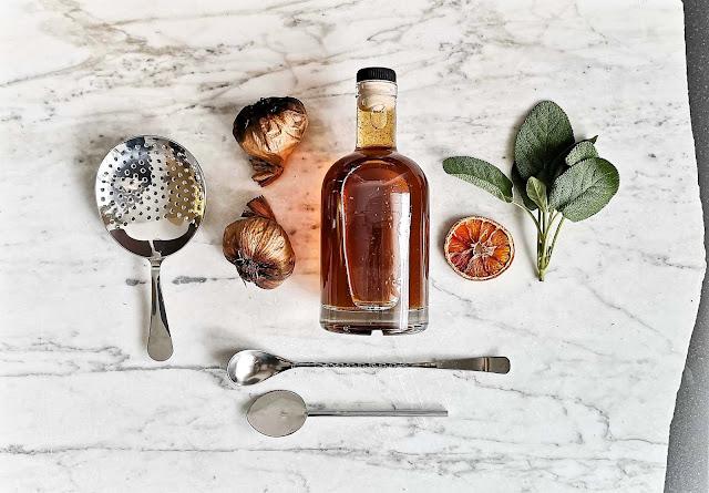 recette,ail-noir,sirop-cocktail,sirop-ail-noir-sauge,madame-gin,mixologue