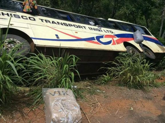 """Chisco """"luxurious"""" bus loses balance, lands in a ditch"""