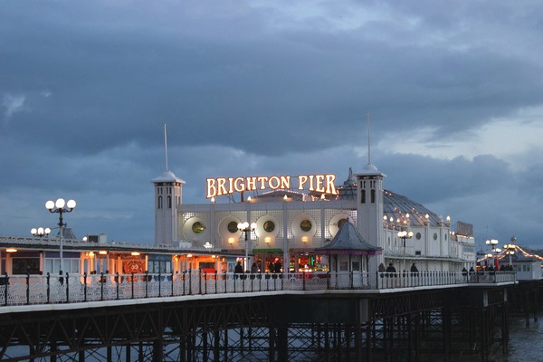 brighton pier seafront night nuit