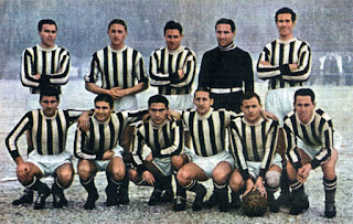 The Juventus team of 1940-41: Rava is second from the left in the back row alongside Alfredo Foni, to his left