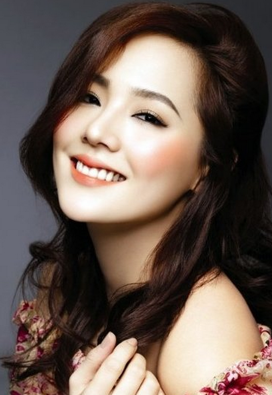 Go JunHee Inpsired Makeup | Liah Yoo