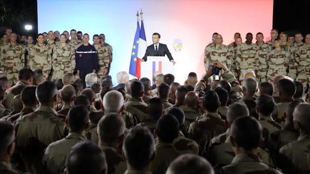 """Macron amenaza a los 'chalecos amarillos' con """"severa respuesta"""""""