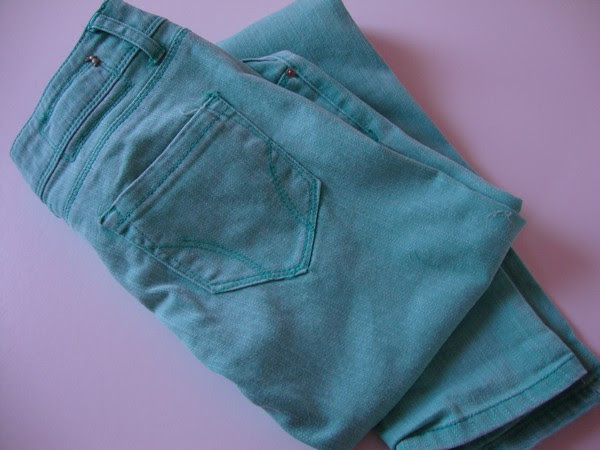 NEW IN: MINT PANTS & i PHONE COVER