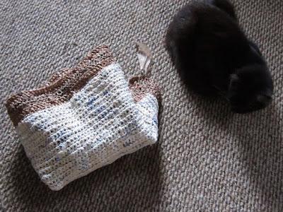 crochet, plarn, rug, cats