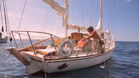 Twenty Eight Feet Life On A Little Wooden Boat Te Lo Dice Rober