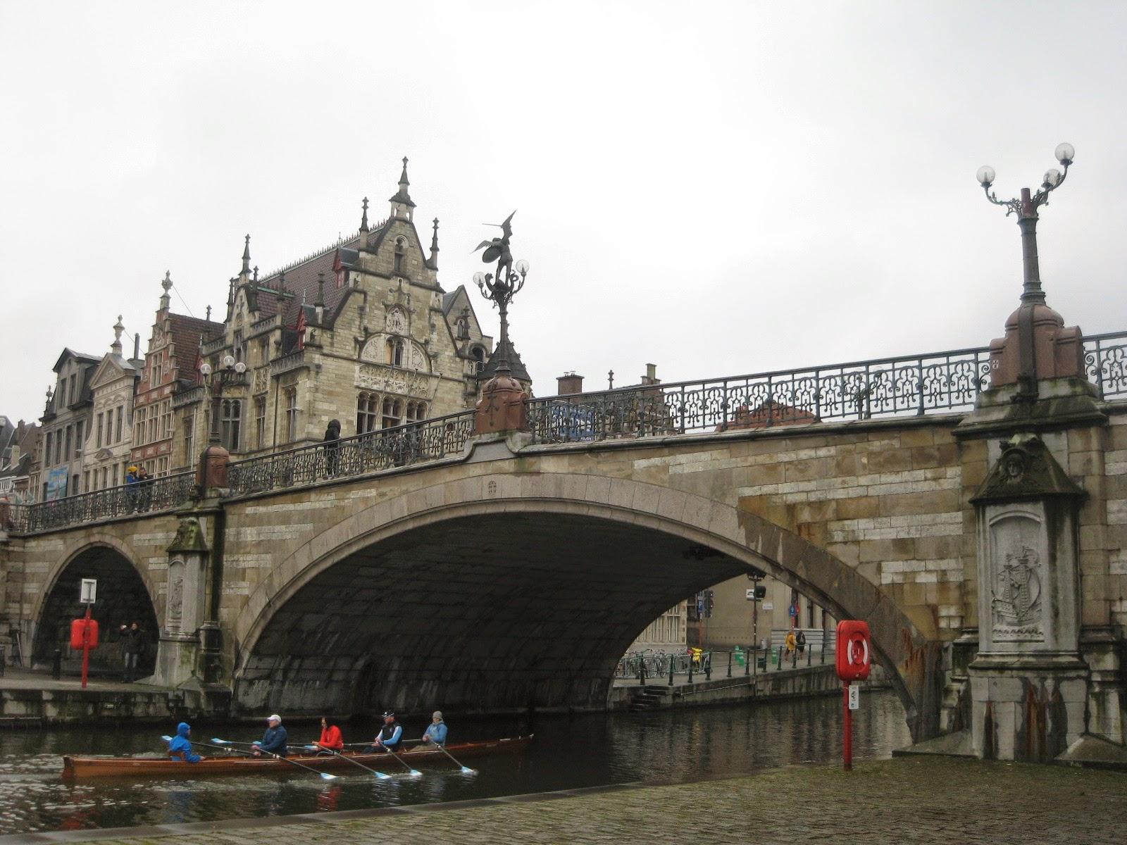 Puente de San Miguel en Gante