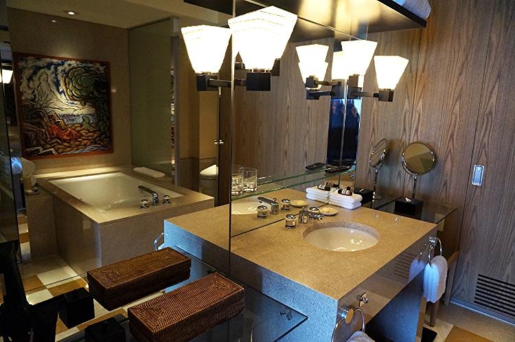 Park Hyatt Tokyo suite bathroom, Euriental