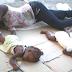 Mãe dorme no chão com suas gêmeas e imagem comove o mundo