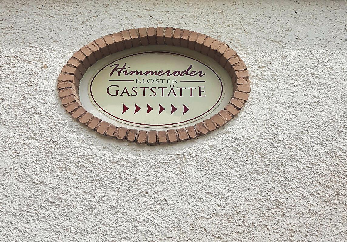 Schild zur Himmeroder Kloster-Gaststätte | Arthurs Tochter kocht von Astrid Paul, der Blog für food, wine, travel & love