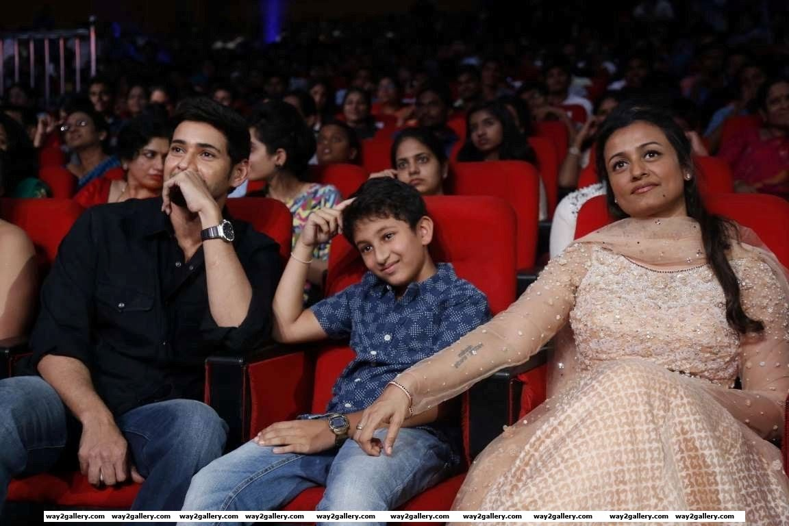 Namrata gave up films soon after and has said Mahesh didnt want a working wife They have two children Gautam and sitara