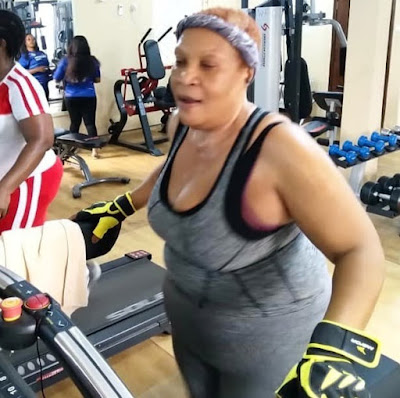 Ngozi Nwosu Captured Working Out In A Gym