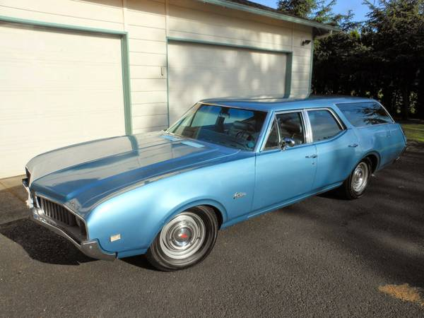 Daily Turismo: 15k: Blue's Cruiser: 1969 Oldsmobile Cutlass Wagon w
