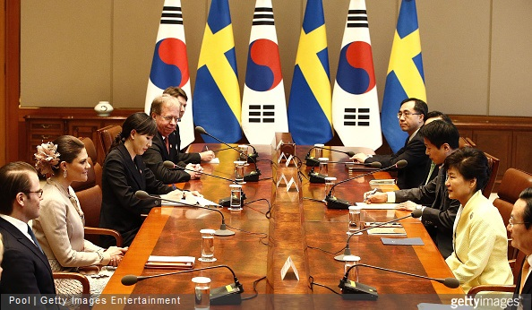 Crown Princess Victoria of Sweden talks with South Korena president Park Geun-Hye during their meeting at the presidential blue house
