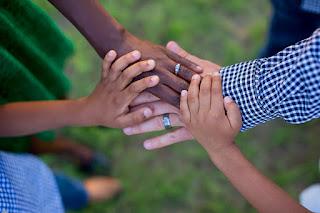 Mãos dadas - Estudo bíblico sobre família a visão de Timóteo.