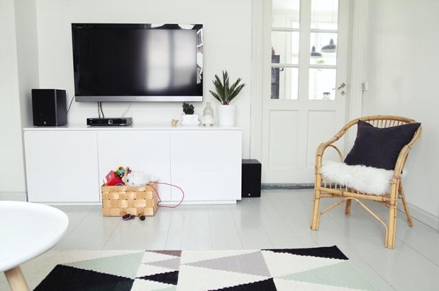 Mueble de Tv sencillo salón nórdico