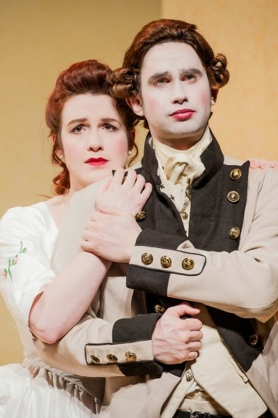 Kitty Whately and Anthony Gregory in 'Cosi fan tutte' with English Touring Opera - photo credit Robert Workman