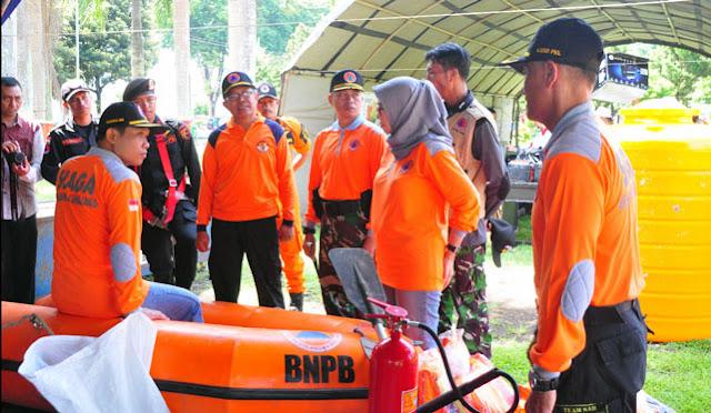 Bupati melihat kesiapan perlengkapan antisipasi dan penanganan bencana
