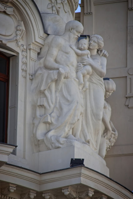 Esculturas en los tejados de la Gran Vía