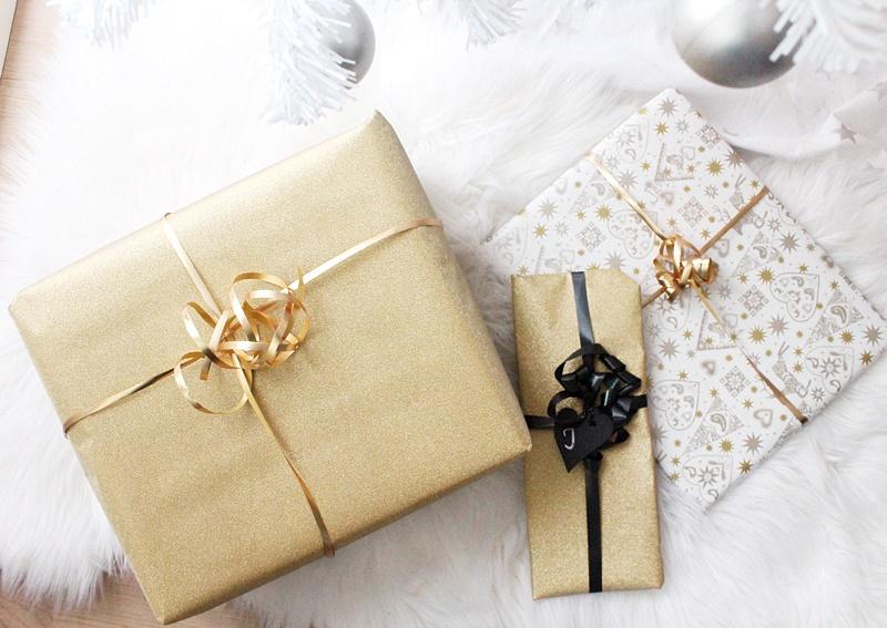kultainen lahjapaperi