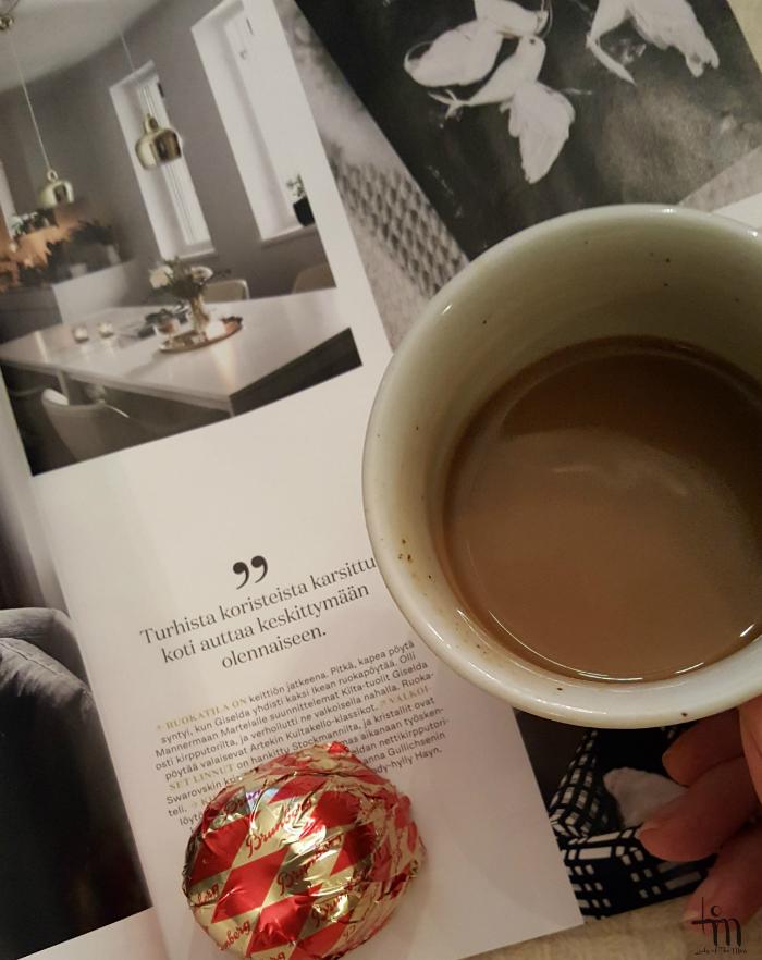kahvia ja suklaasuukkoja