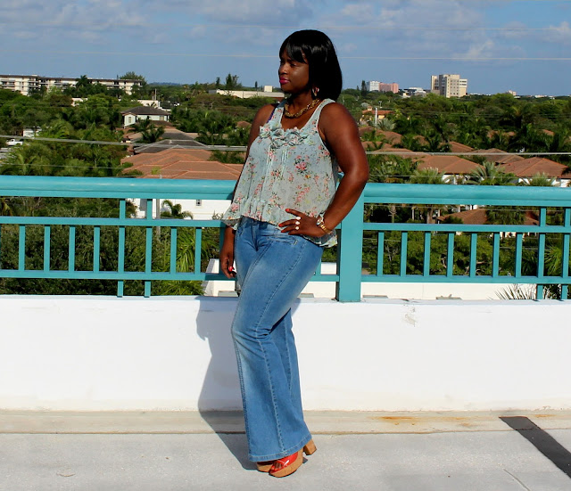 spring flared jeans www.simplysassystyle.com