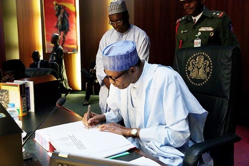 President Buhari Refuses to Sign 2016 Budget, Sends the Document Back to NASS Again