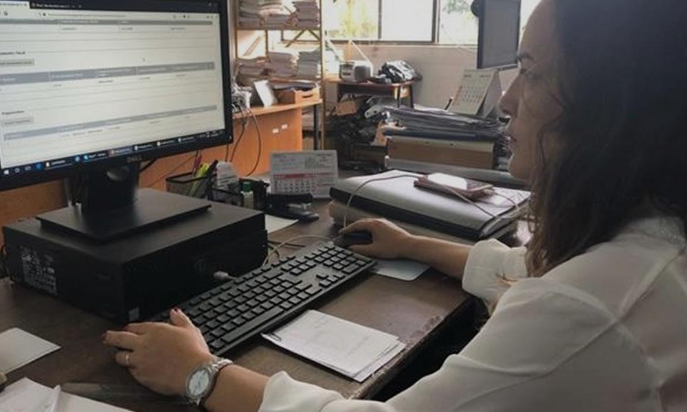 Servidores municipais de Espirito Santo do Pinhal-SP recebem novos computadores