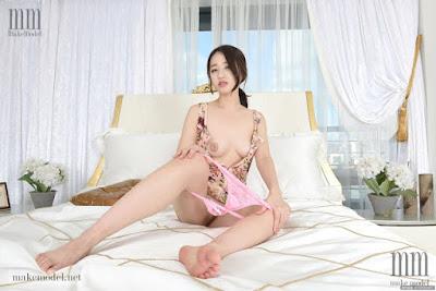Foto-Sexy-Terbaru-Model-Cantik-KOREA-Bergaya-Hot