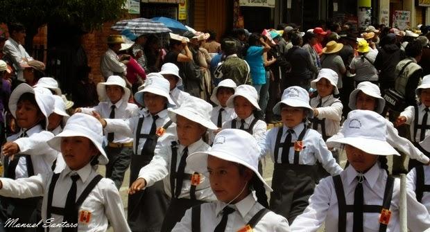 Huancayo, sfilata di scuole elementari