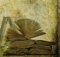 में धूल से सनी किताब - एक छोटी सी कहानी जो दिल में उतर जाए