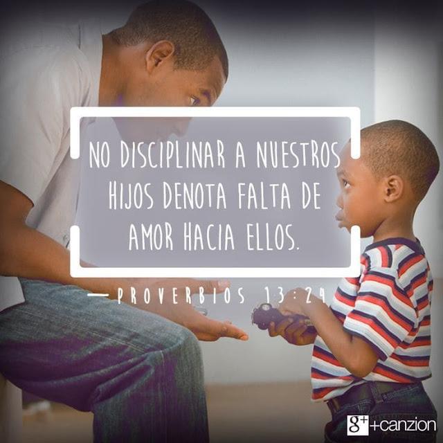 el-padre-disciplina-a-su-hijo