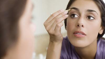 how-to-shape-eye-brows draw  طريقة تهذيب حاجبيك دون رسمهما رسم الحواجب الحاجبين