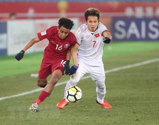 Hồng Duy thi đấu phong độ trong trận bóng