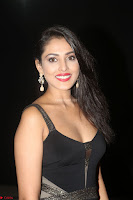 Madhu Shalini in a Glamorous Deep neck Black Sleeveless Dress at Mirchi Music Awards South 2017 ~  Exclusive Celebrities Galleries 004.JPG