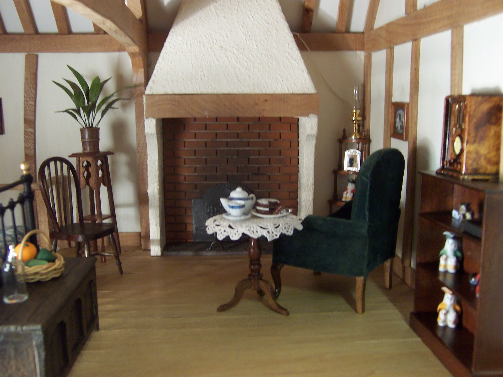 Dolls Houses And Miniatures October 2011