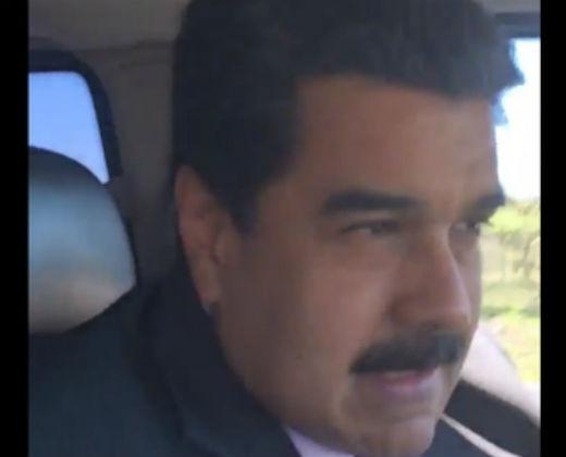 ¡IMPELABLE! La cara del canciller ecuatoriano cuando Maduro hablaba de historia mientras manejaba (+Foto y Video)