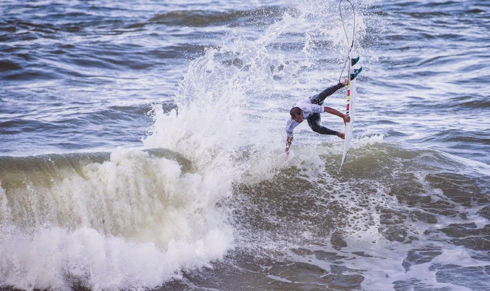 25 2014 Moche Rip Curl Pro Portugal Jadson Andre BRA Foto ASP Damien%2B Poullenot Aquashot