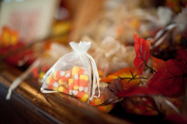 Fall+autumn+wedding+orange+red+halloween+pumpkin+hallows+eve+bride+groom+black+bridesmaids+dresses+orange+burnt+leaves+leaf+centerpieces+Alisha+Crossley+Photography+13 - The Bewitching Hour