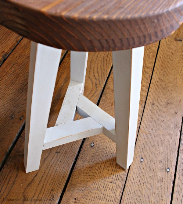 three legged stool wtih triangle support