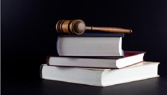 سلبيات وعيوب مهنة المحامي