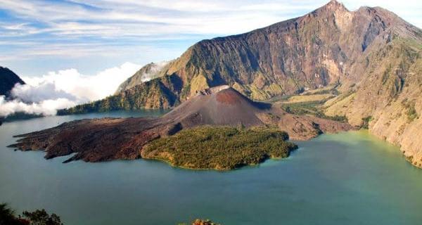 Tips Mendaki Gunung Rinjani Lombok, Agar Aman dan Menyenangkan