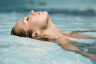 6 Benefits of Swimming for Women