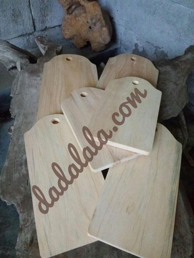 talenan kayu pinus