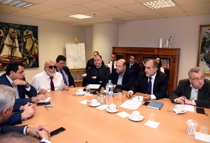 Ευρεία σύσκεψη για τις τσούχτρες σε Κορινθιακό και Πατραϊκό Κόλπο