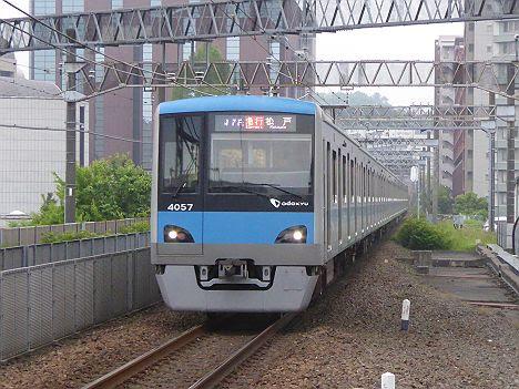 小田急電鉄 東京メトロ千代田線直通 急行 松戸行き5 4000形