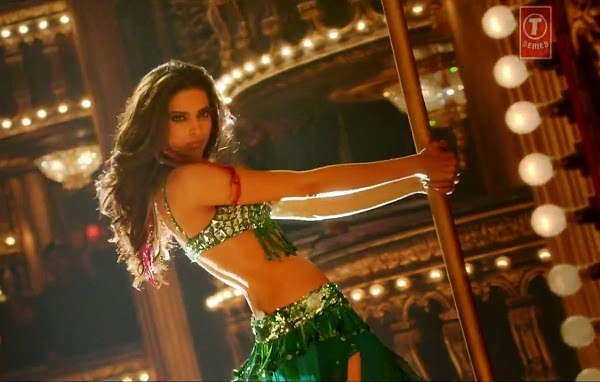 Bollywood Actress Deepika Padukone Hottest Pole Dance